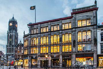 De Centrale Bibliotheek en de prachtige Domtoren in Utrecht van