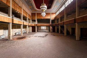 Verlaten Theater. van