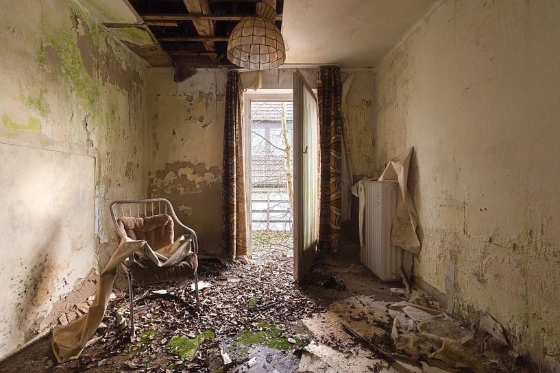 Verlaten Hotel Kamer. van Roman Robroek