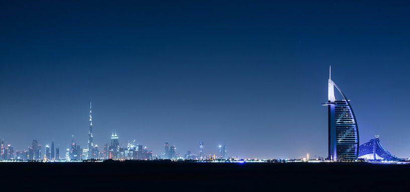 Dubai Skyline II van Dennis Wierenga