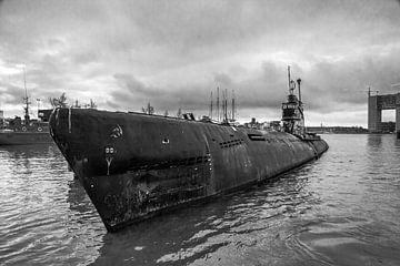 zomaar een onderzeeer in de haven van amsterdam von Mike Bot PhotographS