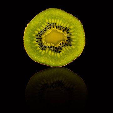Disque kiwi avec un reflet