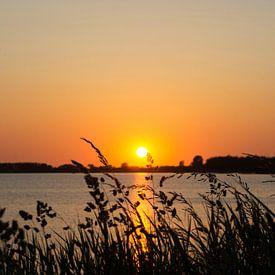Hollandse zonsondergang van Marion Moerland