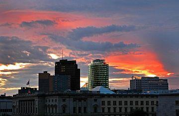 Abendhimmel über Berlin von Silva Wischeropp