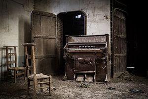 Orgel in verlaten kerk