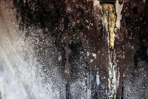 abstract detail vervallen muur oude fabriek urbex van Martzen Fotografie