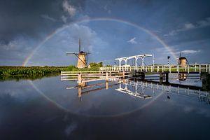 Molen met regenboog bij Kinderdijk van Ellen van den Doel