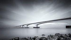 Zeeland Bridge / Black and white van Ralf Linckens