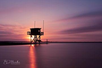 Wachturm bei Sonnenuntergang von Bas Minke
