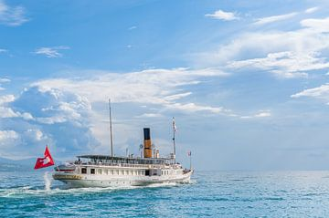 La Suisse steamboat cruise the Leman lake (Switzerland). van Carlos Charlez