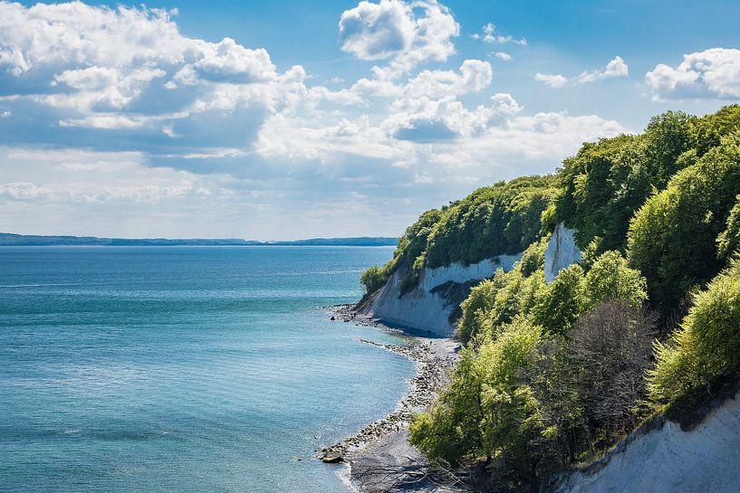 Baltic Sea coast on the island Ruegen in Germany van Rico Ködder