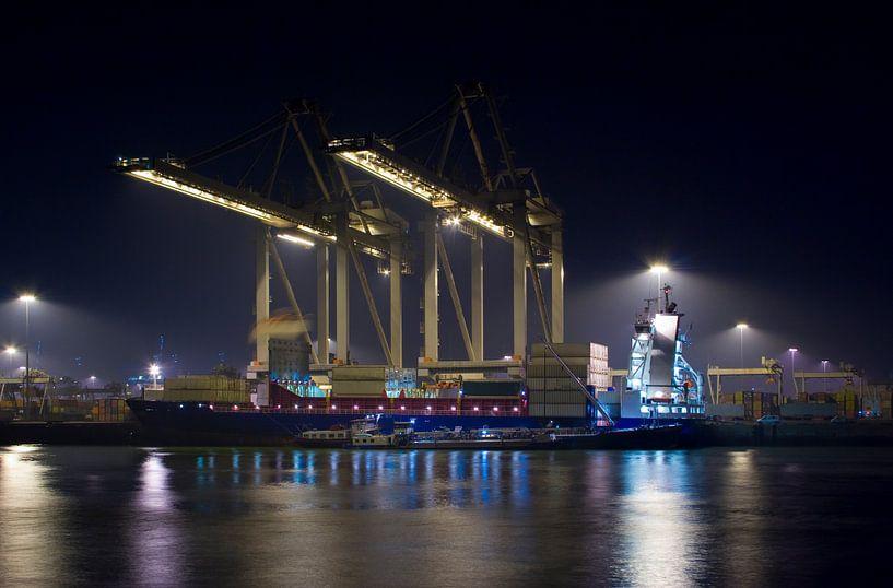 Container schip van Guido Akster