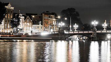Amsterdam in de nacht  van Stijn van Hulten