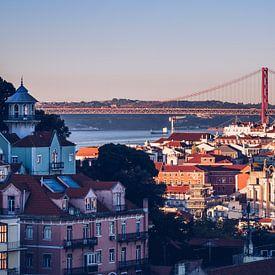 Lisbon Skyline / Ponte 25 de Abril van Alexander Voss