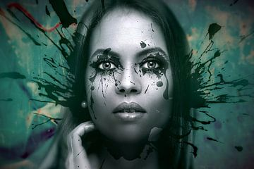 portrait-woman-metal background