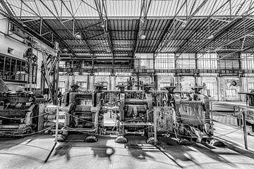 Industriemaschinen in einem Lichtschuppen von Okko Huising - okkofoto