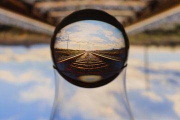 Spoorweg in Lensbal van Ronny Struyf