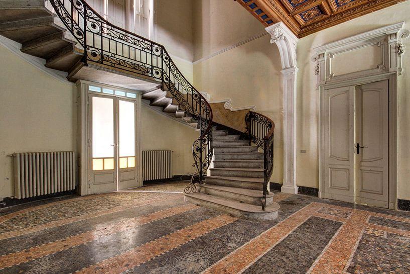 the stairs van Anya Lobers
