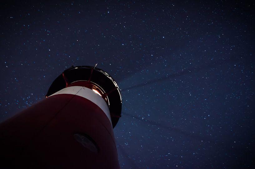 Kijkje in de nacht van Kjeld van den Heuvel