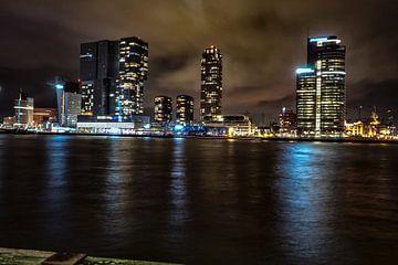 Rotterdam Skyline Nacht Foto van