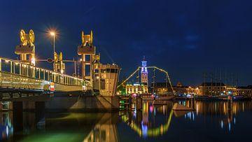 Kampen stadsbrug bij nacht van Han Kedde