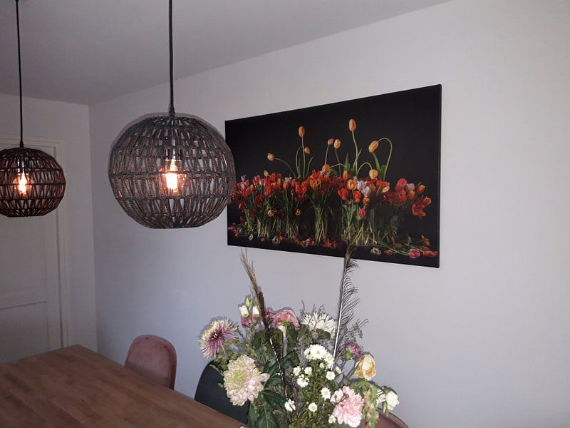 Klantfoto: Tulpen stilleven van Dirk Verwoerd, op canvas