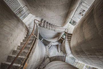 Escalier à quatre piliers sur Perry Wiertz