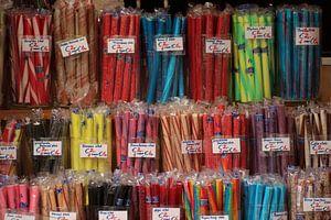 Zuurstokken in alle kleuren