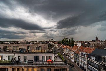 Gewitterwolken über Brüssel von Werner Lerooy
