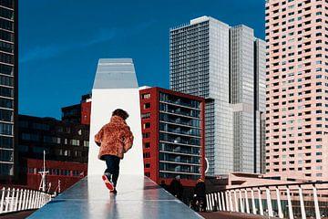Straatfoto op de Rijnhavenbrug in Rotterdam van Rutger van Loo