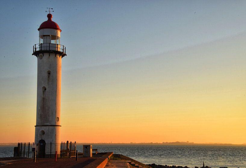 Zonsondergang op de pier van Mariska Brouwenstijn