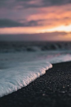 IJslandse zonsondergang van Colin van Wijk