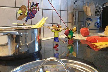 Teamwork in de keuken van HEUBEERE Cartoons