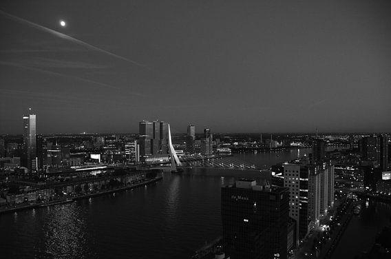 Rotterdam in de ban van de Maan