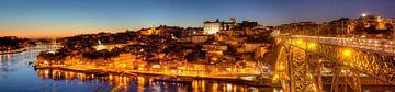 Ponte Dom Luis I en Old Town Ribeira in Abendd�mmerung, Porto, district Porto, Portugal, Europa I Po van Torsten Krüger