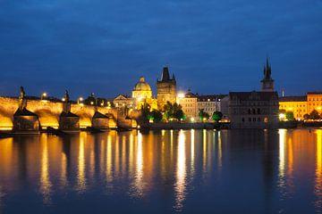 Prag bei Nacht - Karlsbrücke von Katrin May