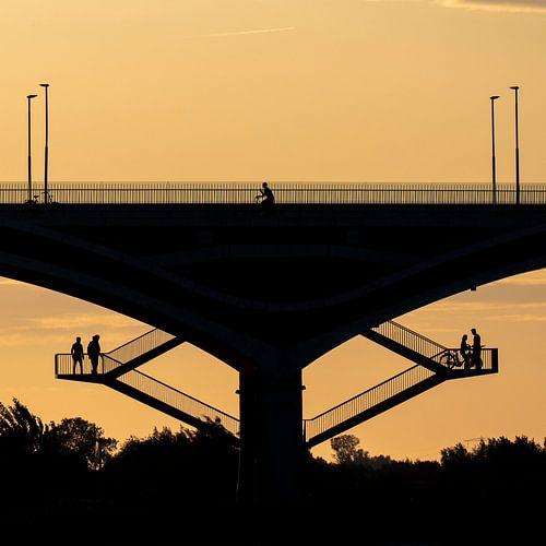Silhouetten op de Oversteek in Nijmegen