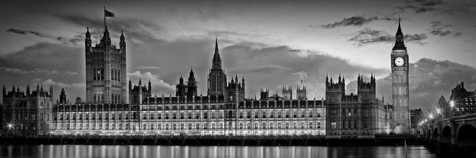 Nightly View - Houses of Parliament b/w
