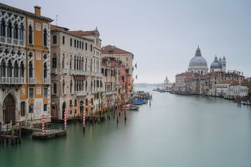 Venetië in de ochtend van Robin Oelschlegel