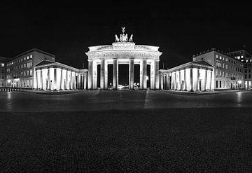 Brandenburger Tor in nachtelijk Berlijn