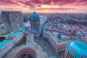 Skyline van Centrum Den Haag tijdens zonsondergang