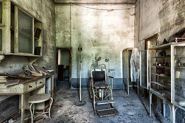 Verlaten Oude Tandarts in Italie van Beyond Time Photography