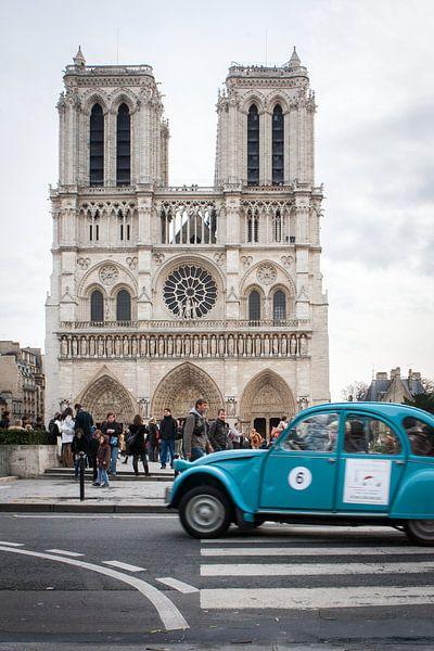 Notre Dame - Deux Chevaux van Eriks Photoshop by Erik Heuver