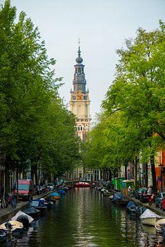 Zuiderkerk vanaf staalmeestersbrug in Amsterdam van Alex van der Aa