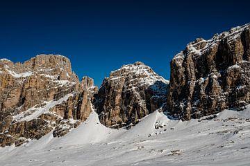 Bergen in de Dolomieten. van MICHEL WETTSTEIN