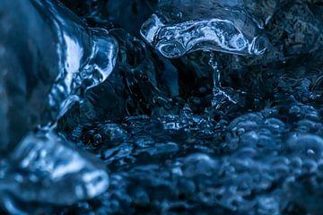 Abschrecken in Schmelzwasser von Mischa Corsius