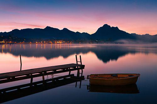 Sunrise Hopfensee, Allgau, Bavaria, Germany van Henk Meijer Photography