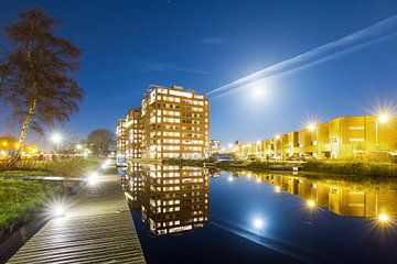 Leiden Roomburg in de nacht met volle maan van