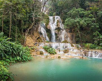 Kuang Si waterval bij Luang Prabang, Laos van Rietje Bulthuis