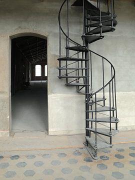De oude draai trap van Karin Bazuin